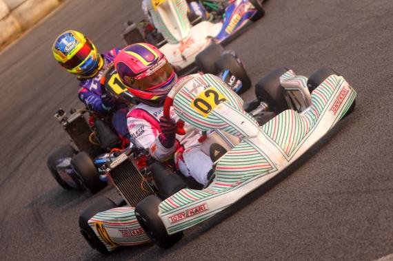 Antonella Bassani mantém a liderança após pódio na Copa SP de Kart
